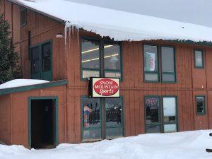 Snow Mountain Sports providing ski and snowboard rentals in Winter Park and Granby Colorado